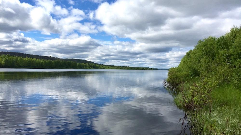Happy-Fox-Finnish-Picnic-by-Open-Fire-ounasjoki-river-p