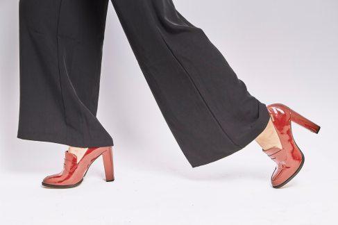 close-up-contemporary-fashion-1228626