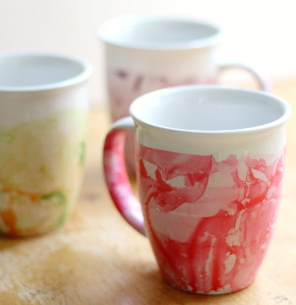 gift ideas DIY-Marbled-Nail-Polish-Mugs-7