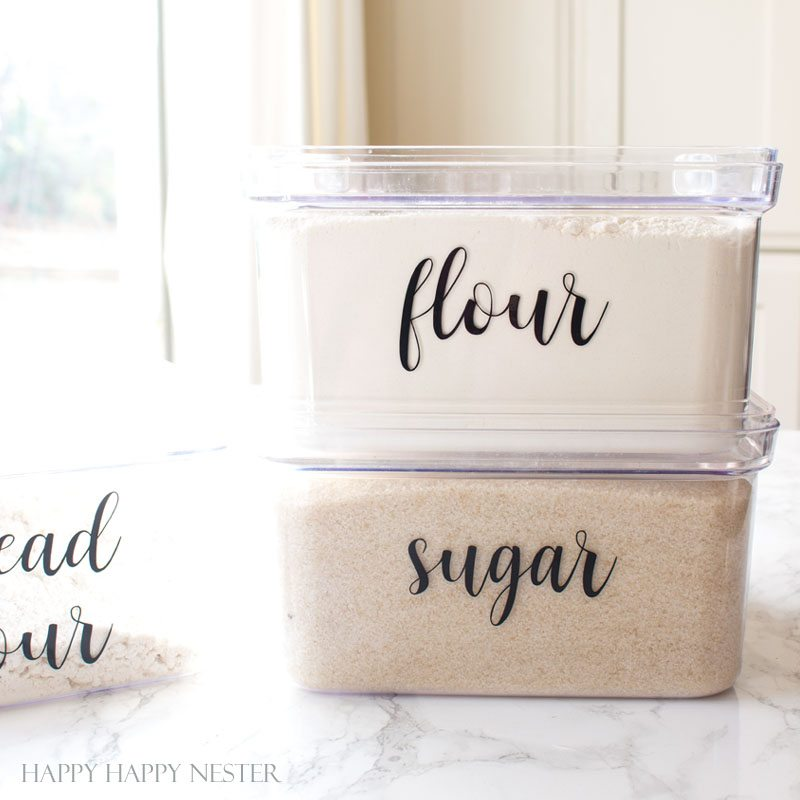 organizing Kitchen labels that make any kitchen pantry beautiful. Add them to any container. Easy DIY #labels #organizing #kitchen #kitchenlables #kitchenorganizing #DIY #home #homedecor