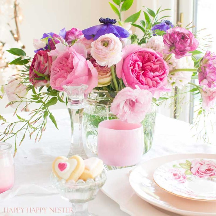 Valentine's Day Table. There is a little of something for everyone on this 8 DIY Valentine's Day Ideas. It includes crafts, recipes, table decorating, and decorating. If you like creating your own Valentine's dinners, floral arrangements then this post is for you. Valentine's Day | Valentine's Crafts | Valentine's Day Ideas | Valentine ideas