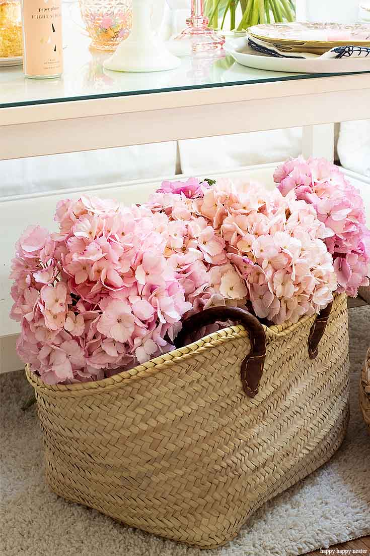 Do you know what Hygge is? How to Hygge for Spring with Flowers is essential after enduring a long winter. Spring flowers add coziness to any home. Flowers always create a lovely homey atmosphere, and they immediately welcome people with a beautiful embrace. Hygge | Hygge Home | Spring Decor | Spring Flowers | Floral Bouquets | Flowers | Spring