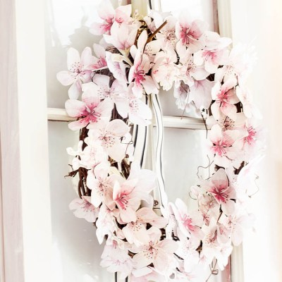 DIY Beautiful Summer Wreaths