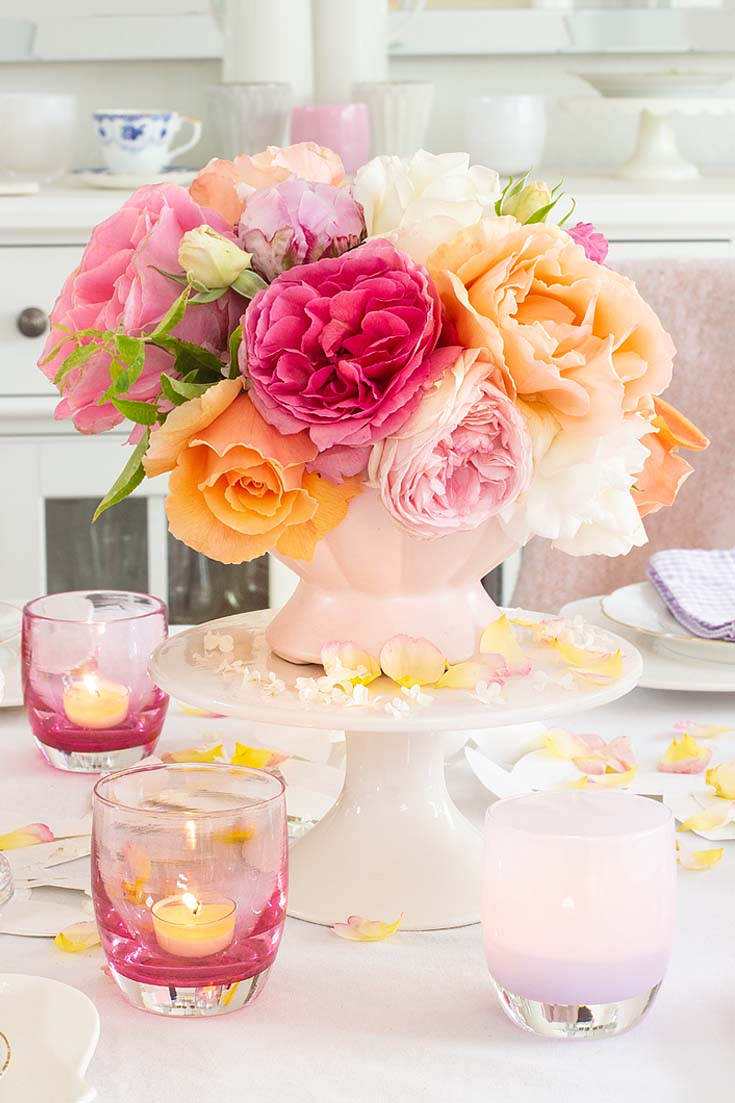 My Casual Table Setting Ideas For Every Day is easy to create if you have just a few items. Find out the elements you need to create a pretty summer table. #summer #summerdining #dining #tablesetting #tabledecor #decorating