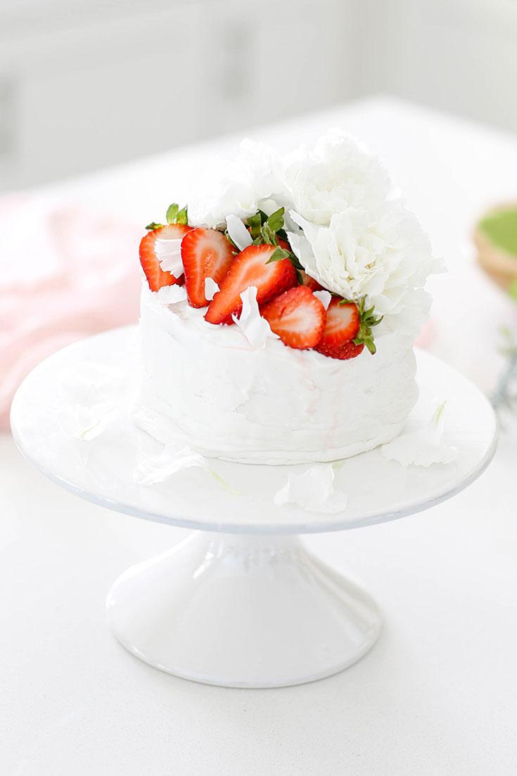 Easy Strawberry Vanilla Layer Cake