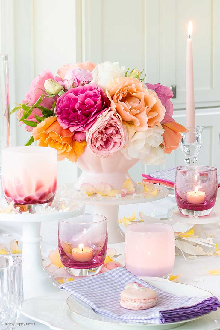 Roses and glassybaby Candles Make My Casual Table Setting Ideas For Every Day is easy to create if you have just a few items. Find out the elements you need to create a pretty summer table. #summer #summerdining #dining #tablesetting #tabledecor #decorating