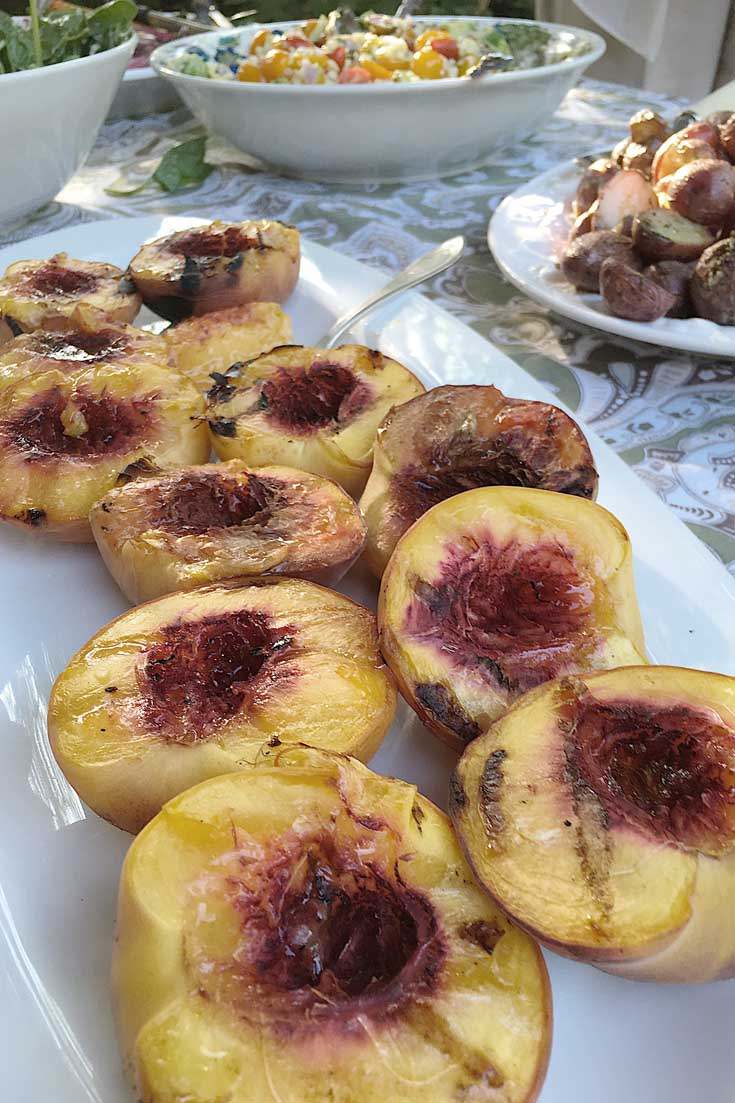 Check out these yummy grilled summer peaches. #grilling #grilledfruit #recipes #bbqrecipes