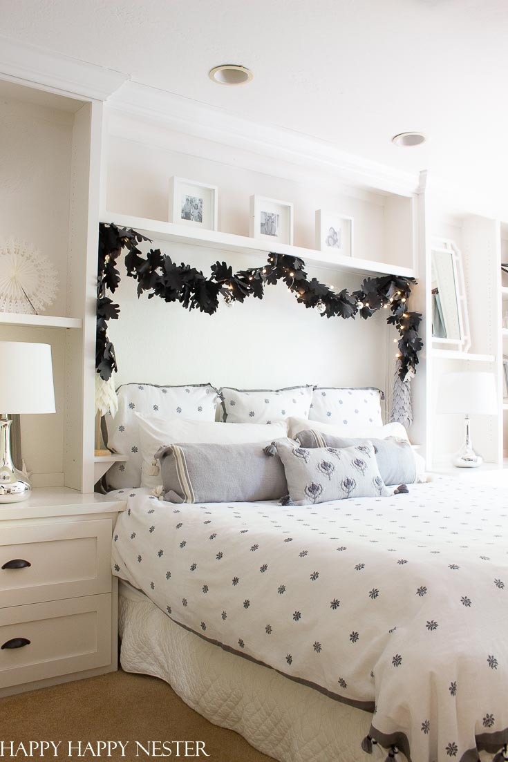 Here is a Master Bedroom Reveal with Serena & Lily. This winter linen is fresh and beautiful. Serena & Lily's attention to detail means stunning bed linens. #bedroom #masterbedroom #linens #serena&lily