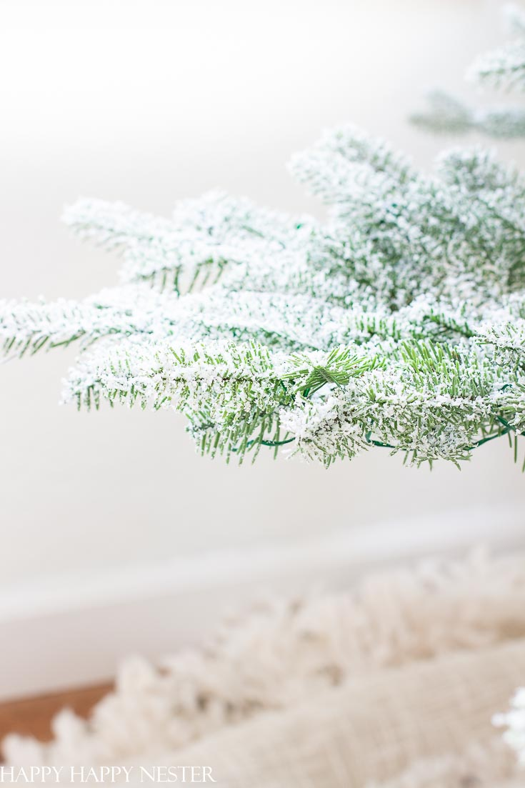 These realistic pine needles make it look so natural and real. Check out this faux Christmas tree review. You'll want to read this post before buying your Christmas tree. #fauxtree #fauxtreereview #balsamhilltree #artificialtree #whichtreetobuy