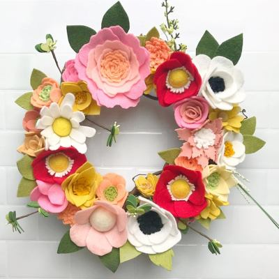 Pretty Colorful Wreaths Made From Felt