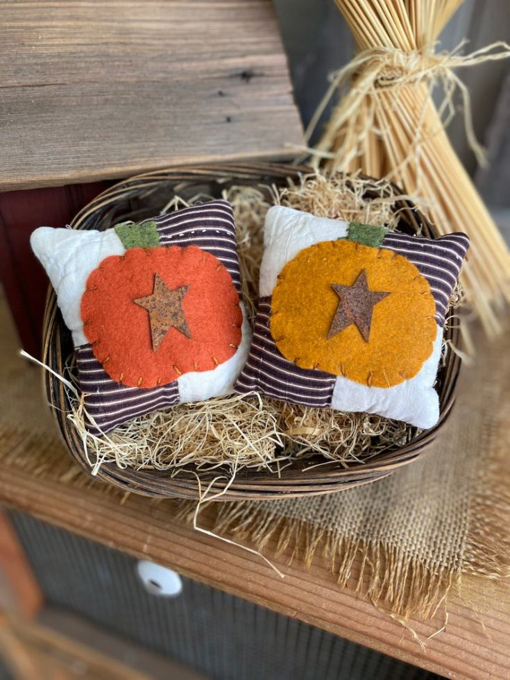 primitive mini pumpkin pillows