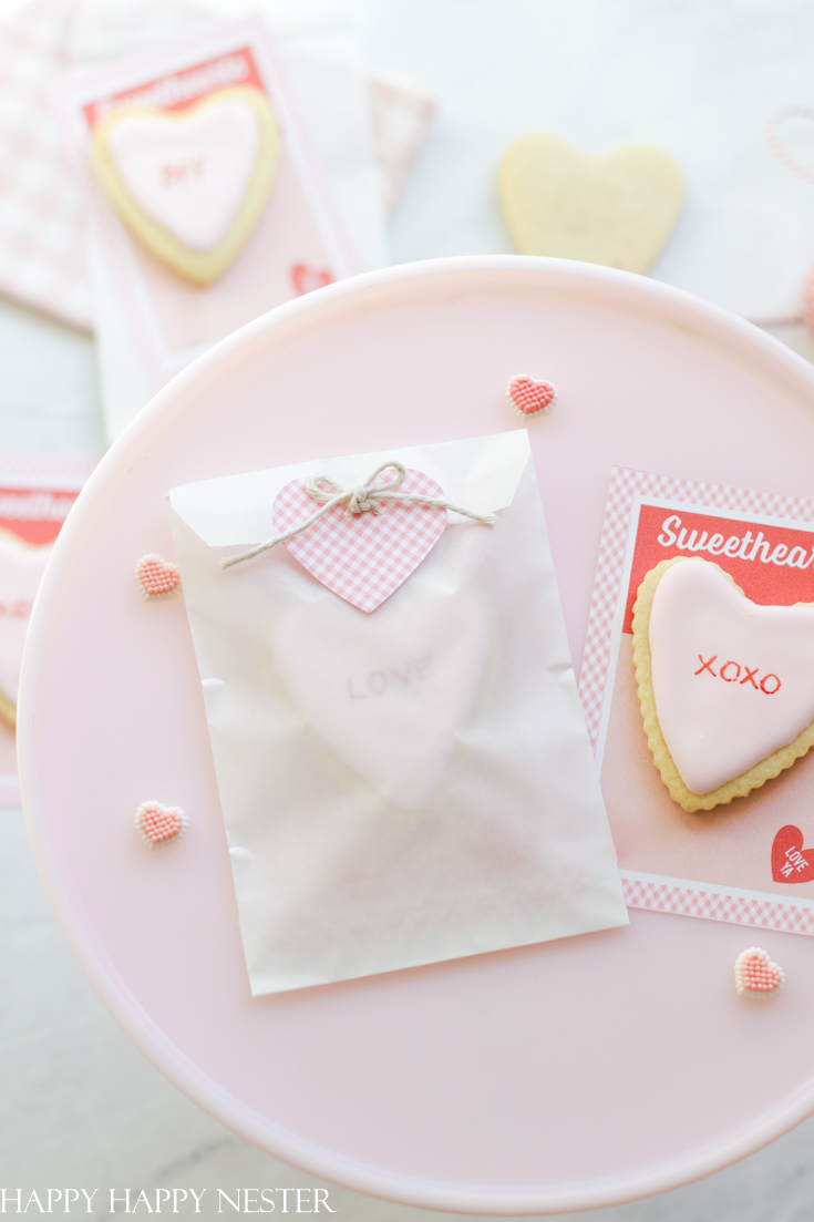how to make a Valentine's Day card step by step