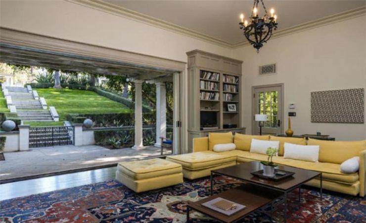 angelina-jolie-pool-house-living-room