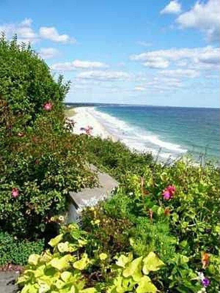 thought-to-be-the-highest-point-of-direct-waterfront-land-on-the-entire-eastern-seaboard-the-home-sits-on-523-acres-of-waterfront-property
