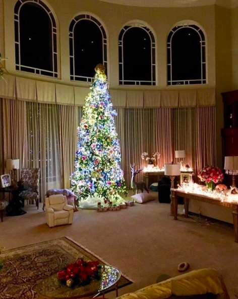 celebrity christmas trees christmas trees of 2017 happy haute home 1681