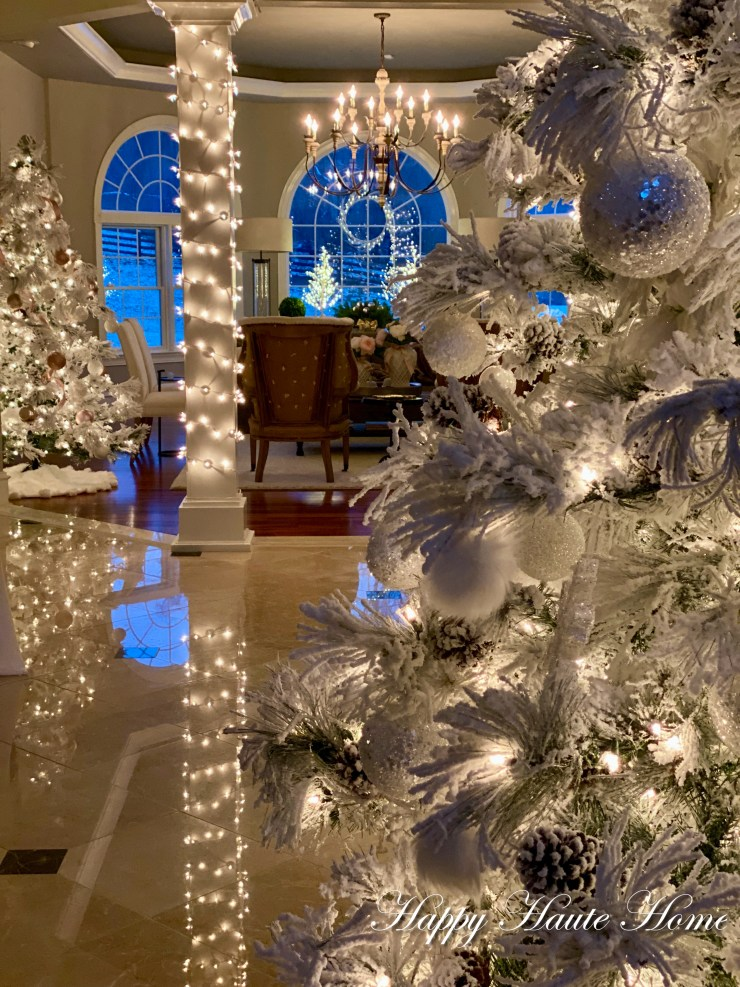 Foyer Christmas 2019-22