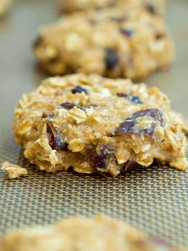 Applesauce Breakfast Cookies