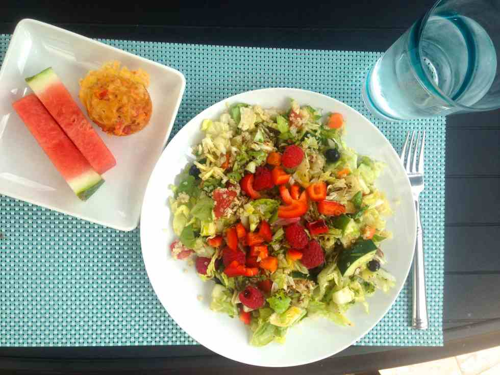What I Ate Wednesday--healthy food inspiration. Check out a full day of food from a busy mama who tries to eat healthy!