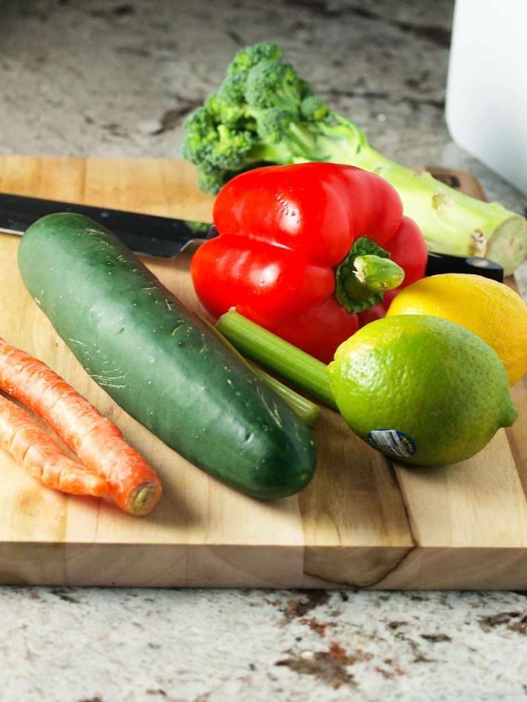 Mason-Jar-Salad-prep