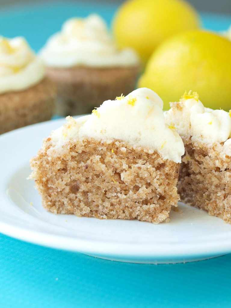 vegan-lemon-cupcakes-with-vegan-buttercream-frosting