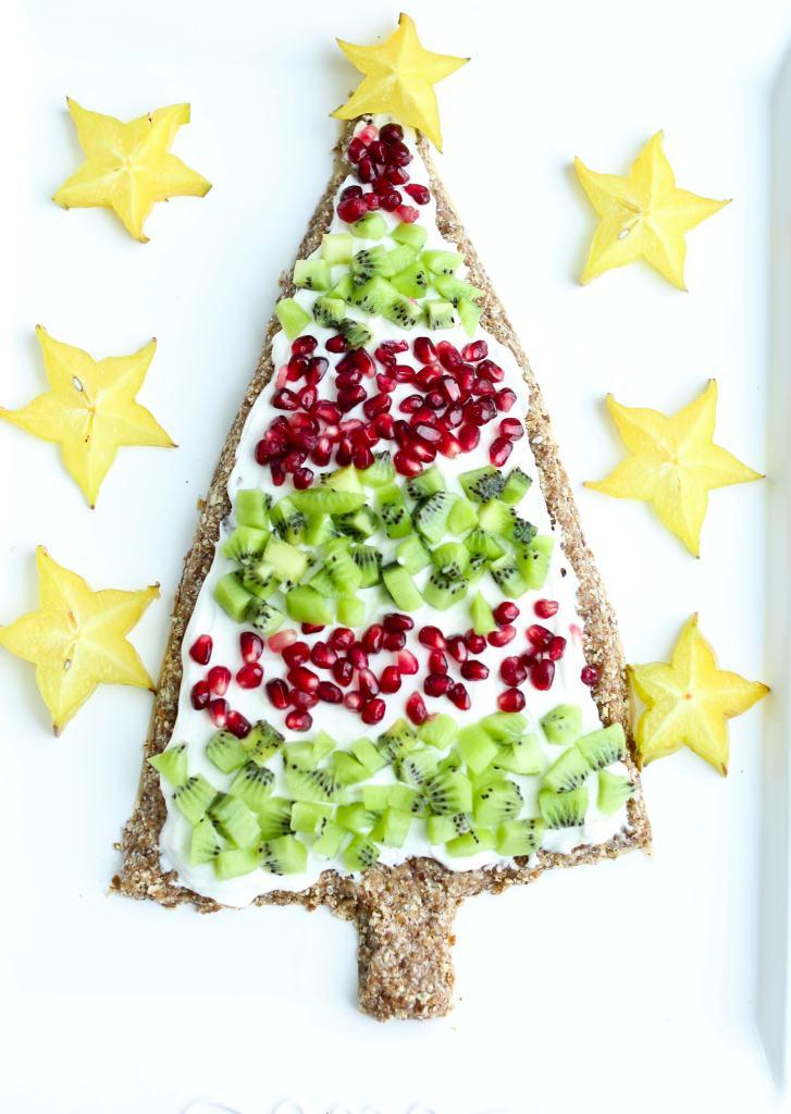 Christmas tree dessert pizza