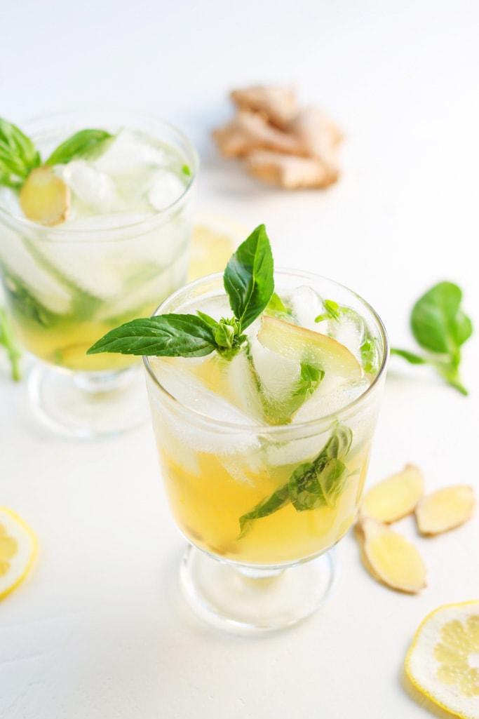 Creative Recipes with Basil-Basil Lemon Collins