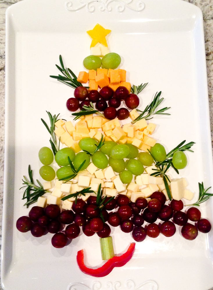 Ideas for Family Traditions for Chrismas-Christmas tree appetizer