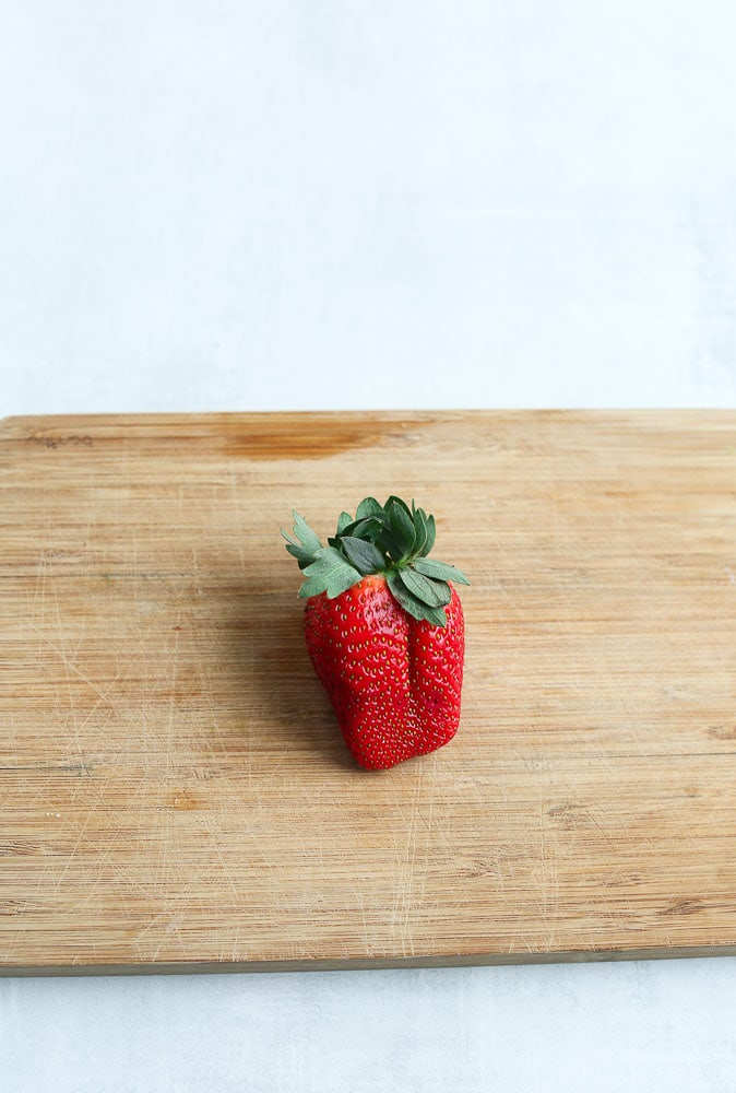 How to make strawberry hearts step 1