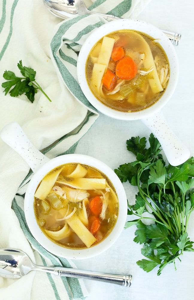 How to make easy crockpot chicken noodle soup recipe in two bowls