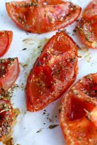 Oven Roasted Tomatoes Recipe close up cooked