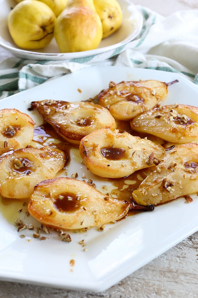 Simple Baked Pears with Maple SyrupSimple Baked Pears with Maple Syrup