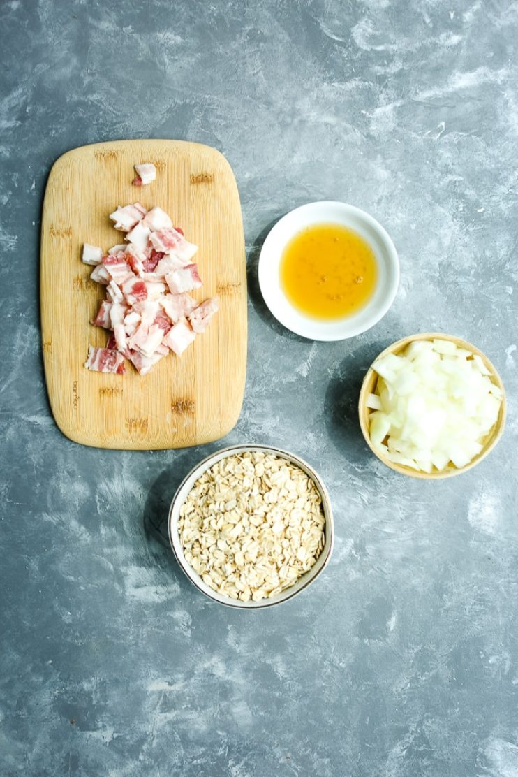 Low Sugar Oatmeal Recipe ingredients--oats, onion, bacon, and maple syrup