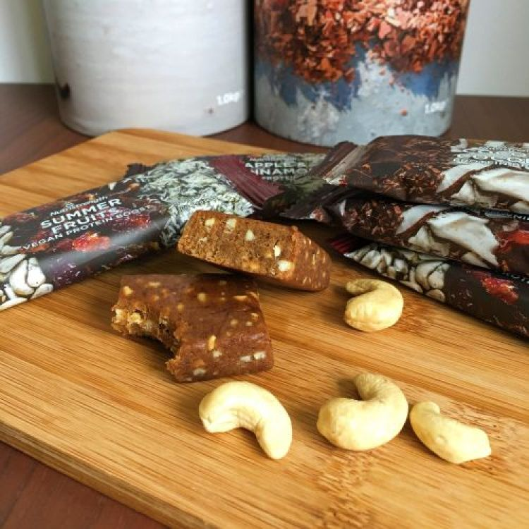 nutristrength-protein-brownie-and-slices