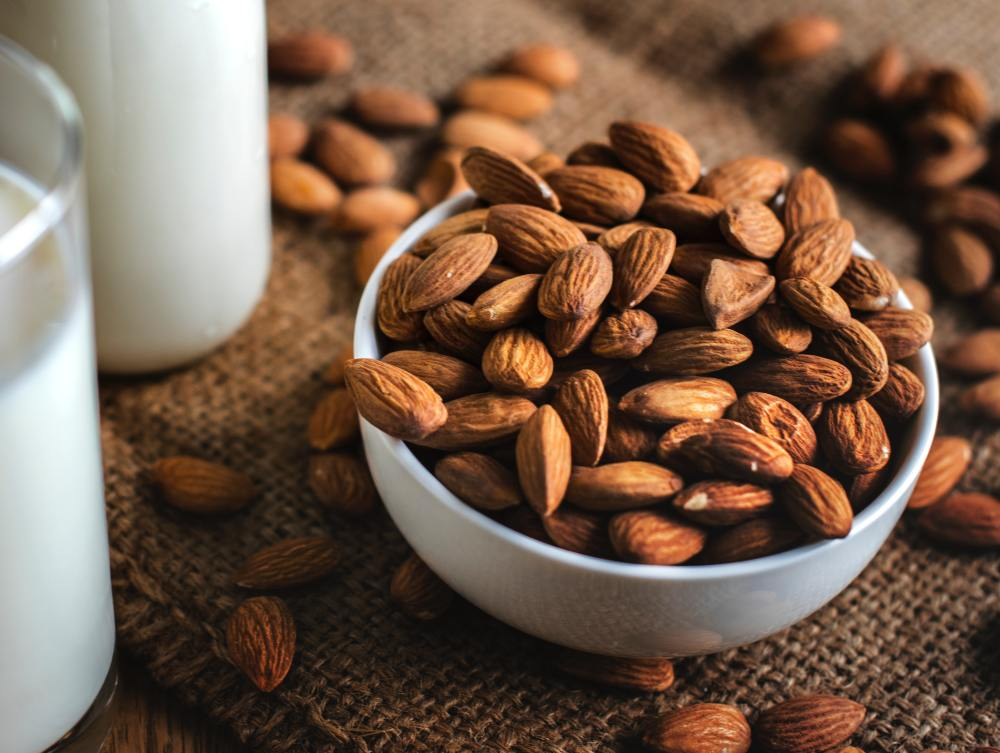 Almonds and Milk for a 100 Calorie Snack
