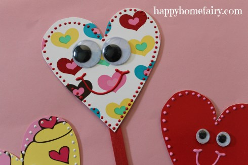 plate heart puppet at happyhomefairy.com 10