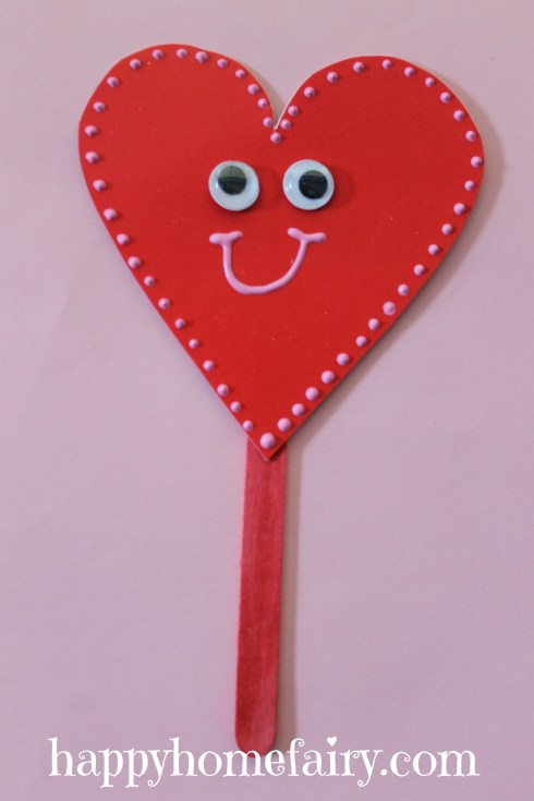 plate heart puppet at happyhomefairy.com 5
