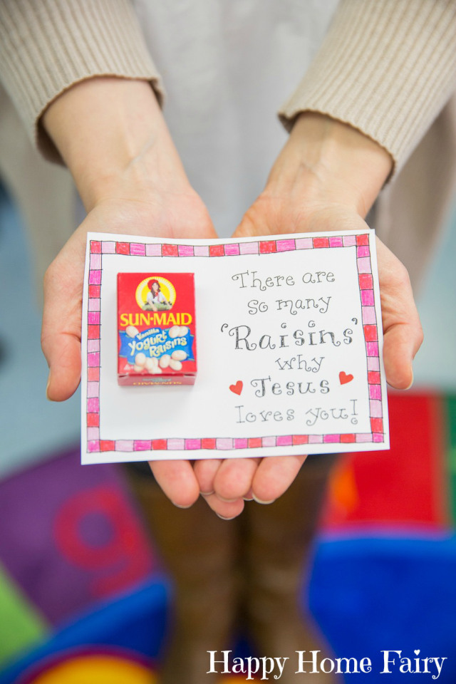 There are so many Raisins why Jesus loves you FREE Printable Valentine at Happy Home Fairy!
