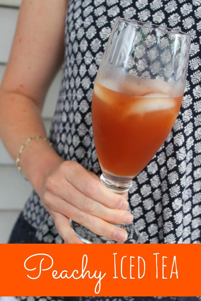 peach tea recipe at happyhomefairy.com - looks delicious and easy!
