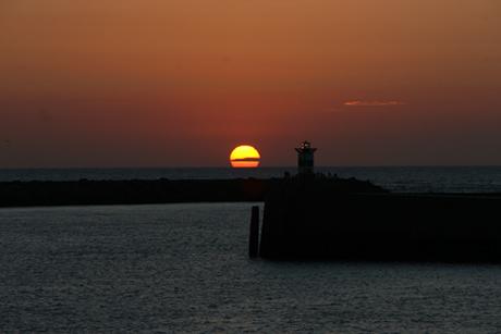 Sun-Setting-over-The-Hague-(Scheveningen-)-HarborIMG_4630