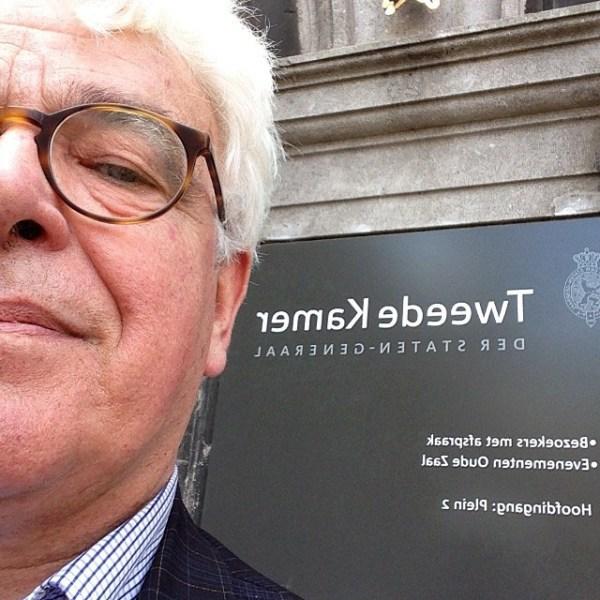 Voting Selfie Celebrity Hotelier voting for European Parliament in Dutch Parliament