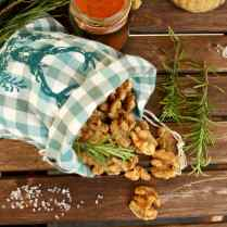 Salted Caramel Walnuts with Rosemary: Delicious, flavorful and healthy snack made in just 10 minutes with 5 ingredients. Easy and fancy Christmas gift!