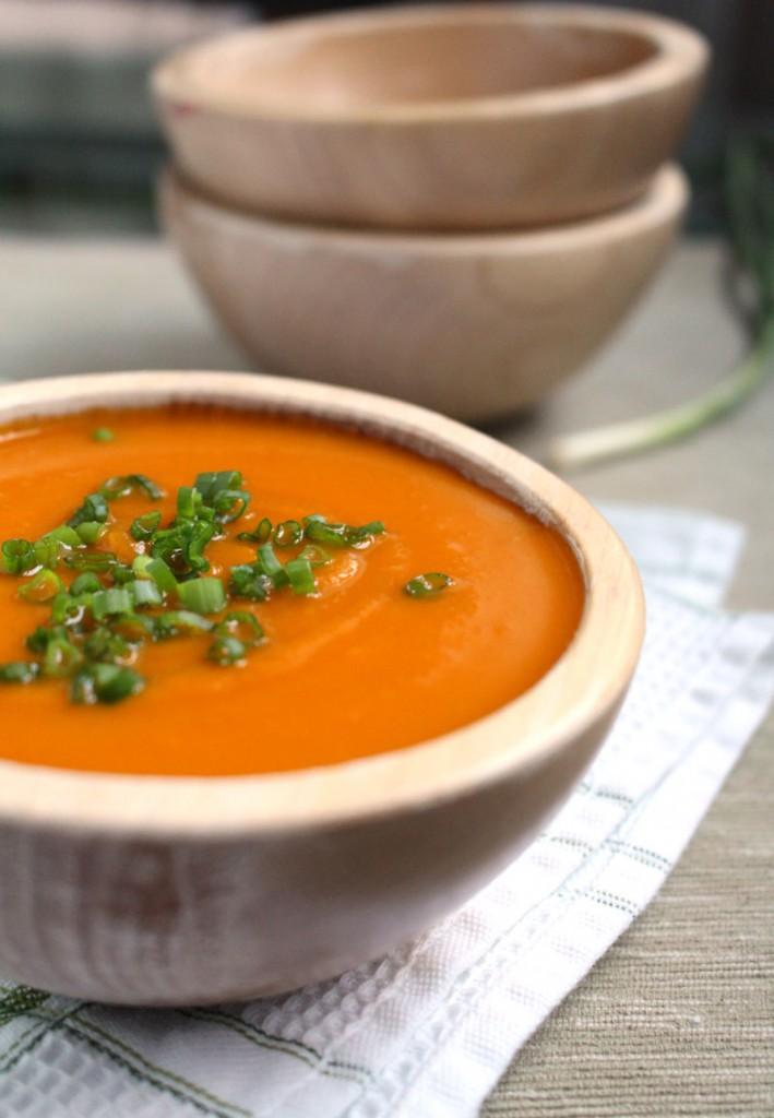 Суп-пюре из тыквы с помидорами и сладким перцем