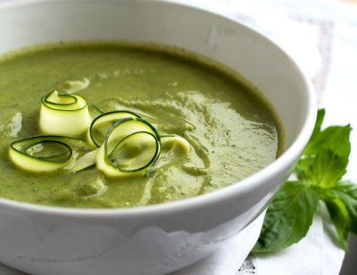 Суп-пюре из цуккини с базиликом