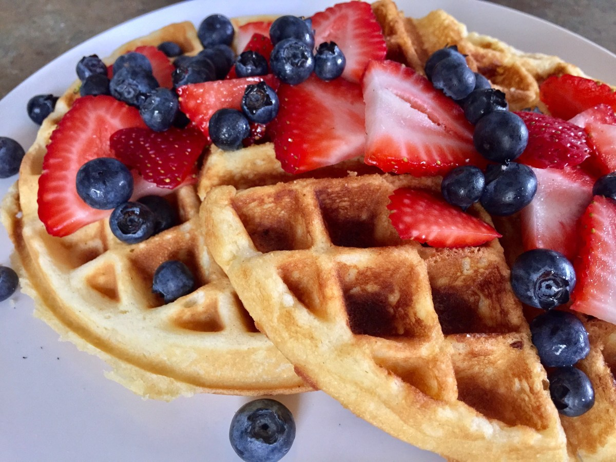 Berry Delicious Belgian Waffles by happylifeblogspot.com #waffles #belgianwaffles #breakfast #brunch