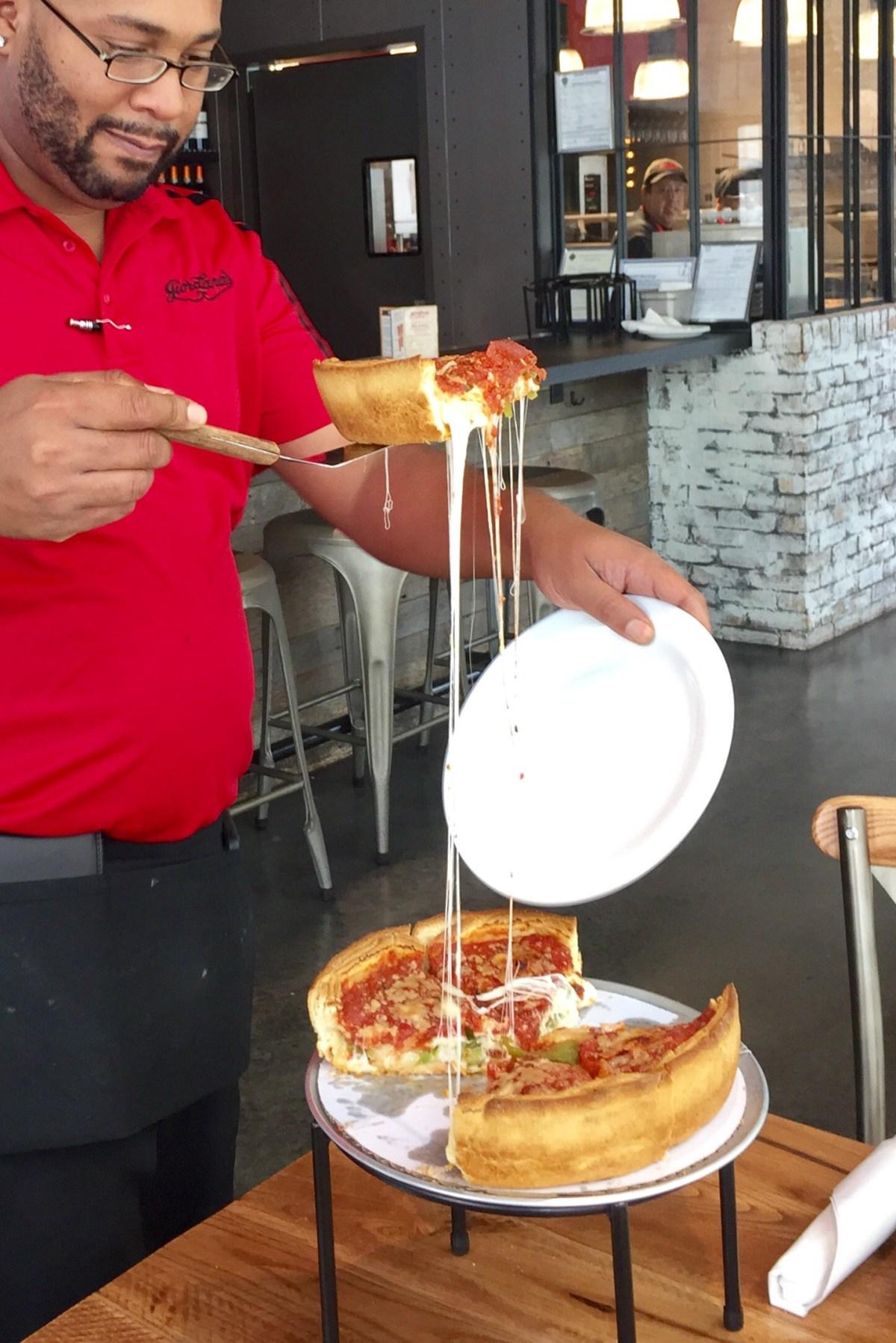 Giordano's Classic Cheese Pull #cheesepull #giordanos #giordanoslasvegas #vegas #lasvegas #ballys #grandbazaarshops