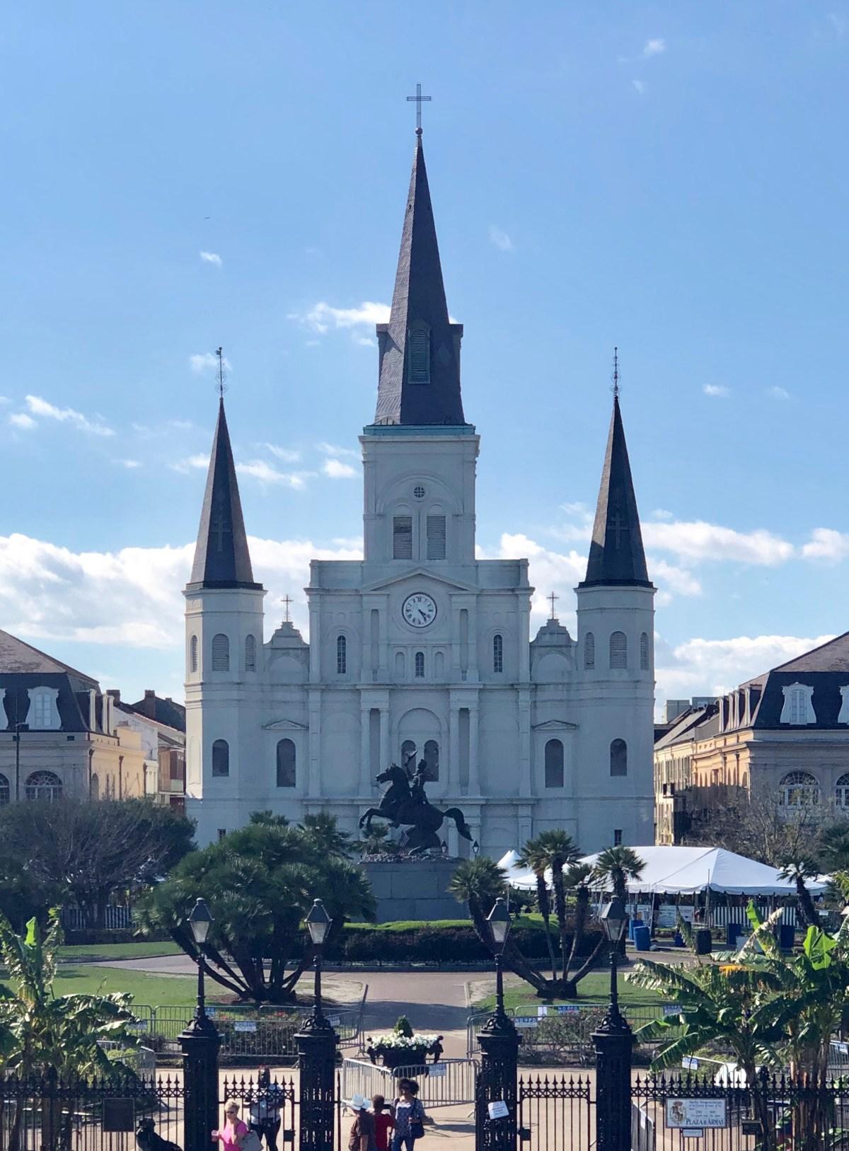 Jackson Square, New Orleans #nola #neworleans #neworleansgude #firstvisittoneworleans #jacksonsquare #stlouiscathedral