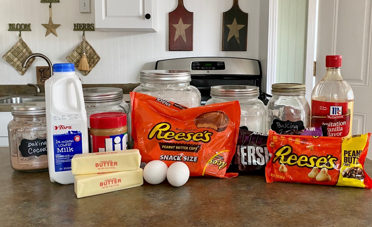 Chocolate Peanut Butter Cup Cookies ingredients list #peanutbuttercupcookies #chocolatecookies #christmascookies #candycookies #peanutbuttercookies #cookierecipes