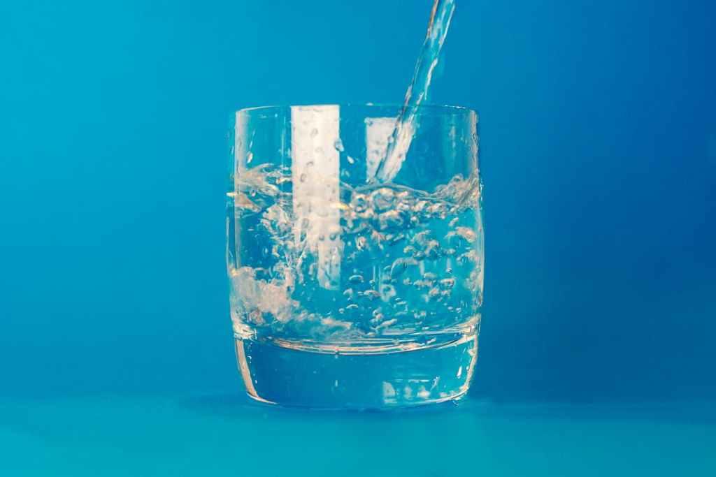 pití teplé vody