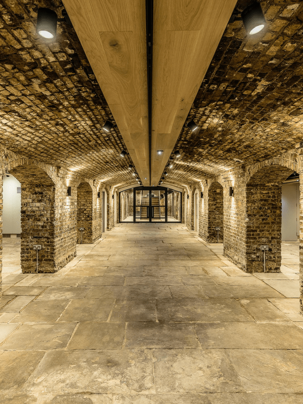 London Arches 600x800px