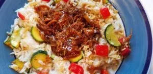 The Best Teriyaki Chicken Crockpot Recipe. So easy to make you need this for your next weekenight dinner. You only need to dump 4 ingredients into the slow cooker and your done. Great meal for kid and parents.